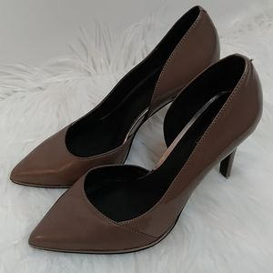 Bee Day 1/2 d'Orsay Pump Sz 8